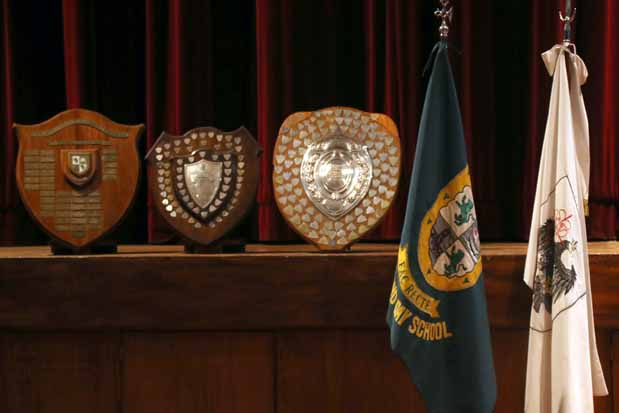 1116_prize-giving-middle-11